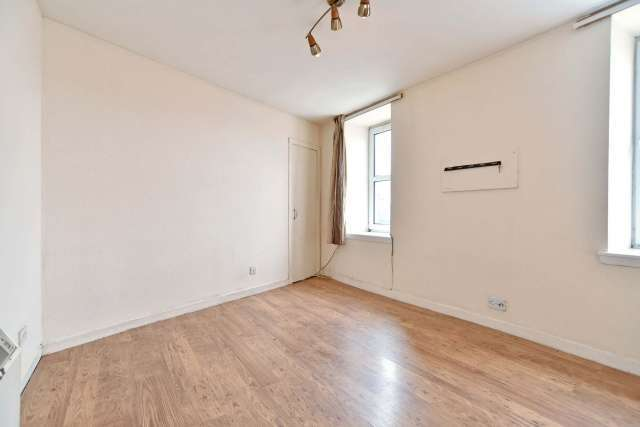 Image of 3 Bedroom Flat  For Sale at Regent Quay, Aberdeen, AB11 at Aberdeen, AB11 5AH